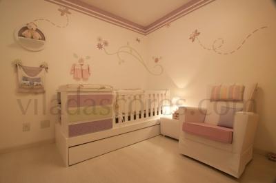Delicado e aconchegante quarto lilás para meninas